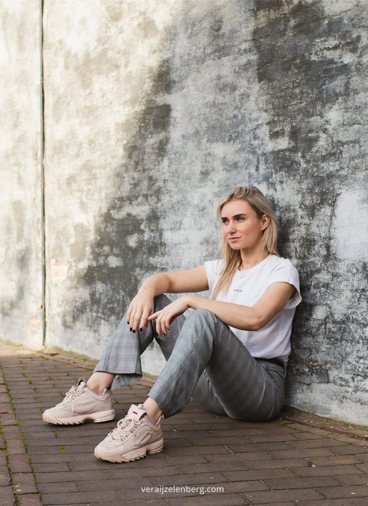foto's voor social media met Emily Melis, fotografie door Vera IJzelenberg