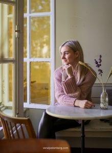 lifestyle shoot in Breda met Emily Melis, fotografie door Vera IJzelenberg