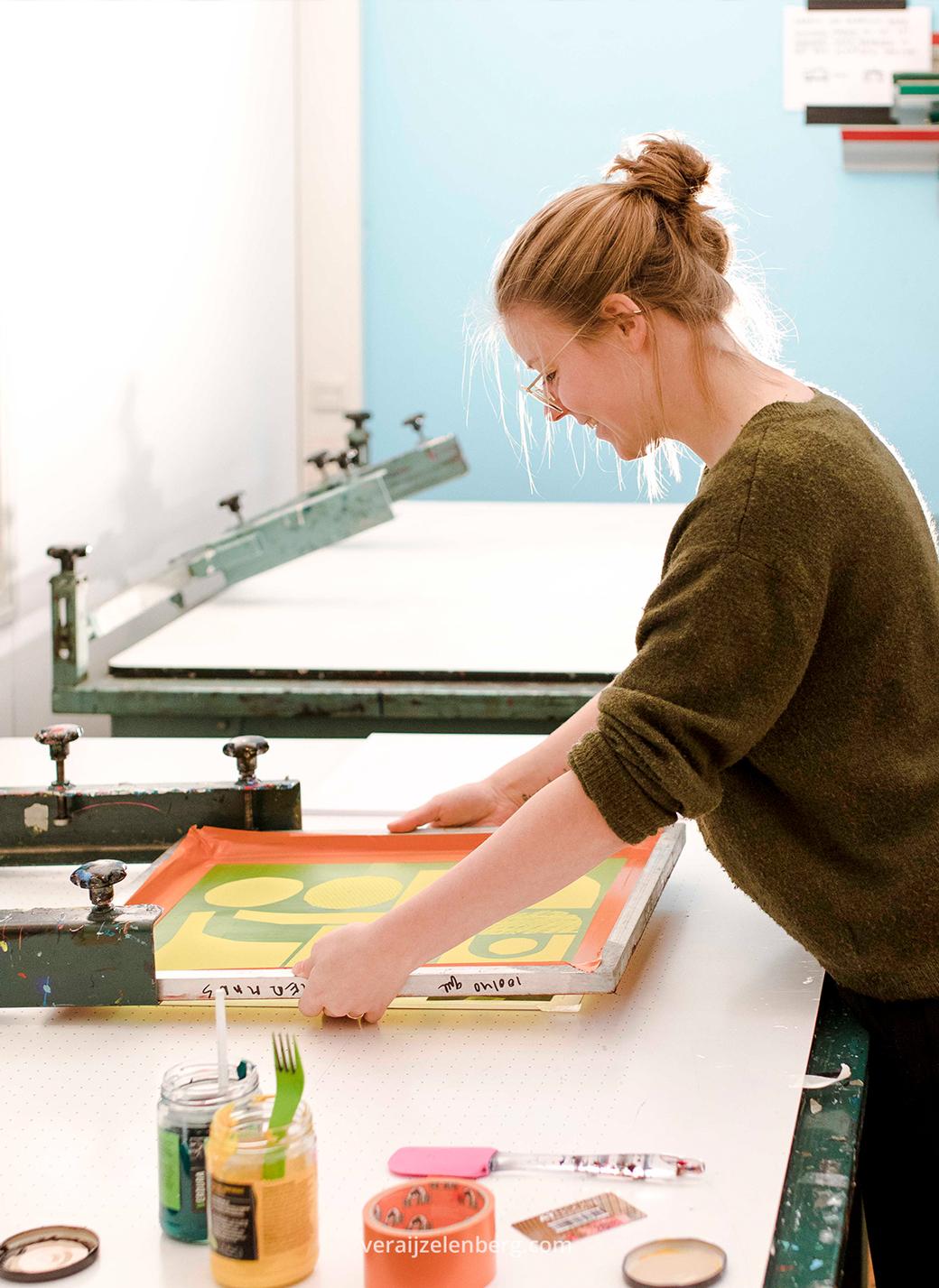 Zeefdruk zeef van Studio Carlijn Timmermans gefotografeerd tijdens de personal branding fotoshoot