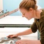 Zeefdrukken met Studio Carlijn Timmermans gefotografeerd tijdens de personal branding fotoshoot